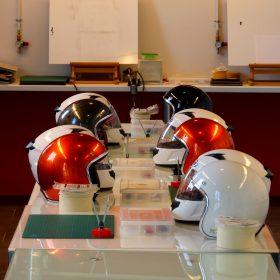 JCB Académie, est un centre de formation professionnelle dédié au graphisme, à l'étude de design et à la réalisation de décors peints à l'aérographe sur tous types de supports. Notre école créée par un professionnel fort de 20 années d'expérience dans le milieu du sport automobile, enseigne les techniques nécessaires à l'exécution d'un projet de décors. Dans des locaux neufs, spacieux, modernes et confortables, à l'aide de matériels adaptés et dernière génération, JCB Académie peut accueillir 15 stagiaires.